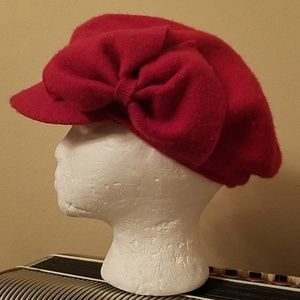 ADORABLE RED WOOL HAT W/BOW ACCENT
